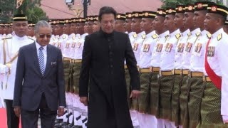 Malaysian PM holds welcoming ceremony his Pakistani counterpart