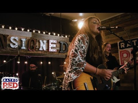 Introducing Singer-Songwriter Shannon Labrie | Unsigned
