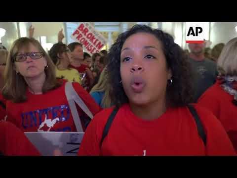 West Virginia Teachers Applaud Pay Raise