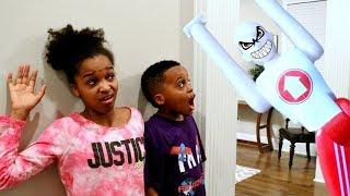 Fantastic Gymnastics ATTACKS Bad Baby Shiloh and Shasha - Onyx Kids