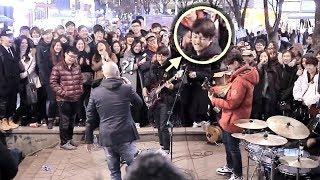 구경하던 남학생 베이스 소름돋는 즉흥연주 라이브 (분리수거 홍대버스킹)