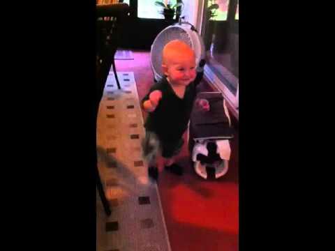 Jason Aldean baby dance