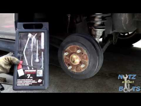 1996-2000 Honda Civic Rear brakes drums and shoes remove and install
