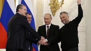 بوتين يوقع معاهدة لإلحاق القرم بروسيا ويتحدى العقوبات الغربية