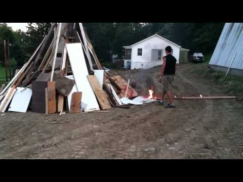 Starting a fire with spray paint