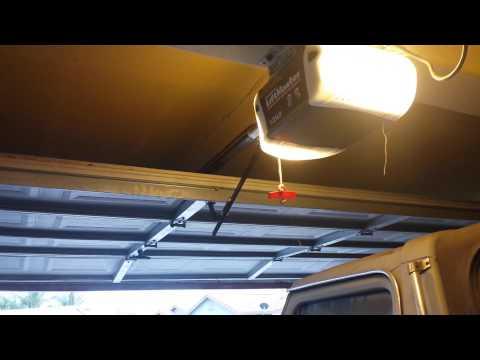 Liftmaster/Chamberlain Garage door opener problem.