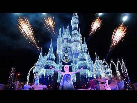 New Christmas Decorations at Walt Disney World & First Castle Lighting!!! (11.04.2015)