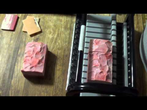 Cutting Apple Cinnamon Vegan Silk Soap