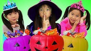 Download Emma Jannie y Wendy Fingen Jugar Halloween Trick or Treat Costume Dress up Haul de Dulces Video