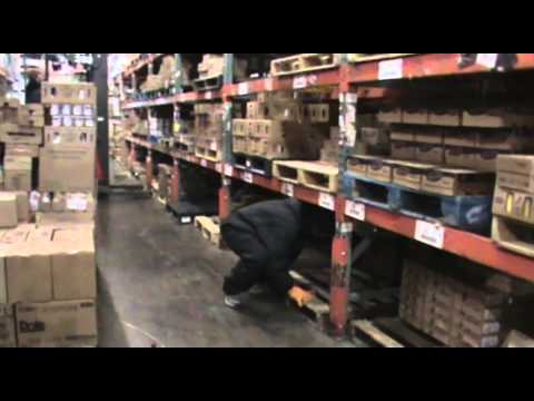 Work Safely: Lifting in the warehouse