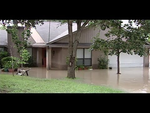Here's the Difference Between Homeowner's Insurance and Flood Insurance
