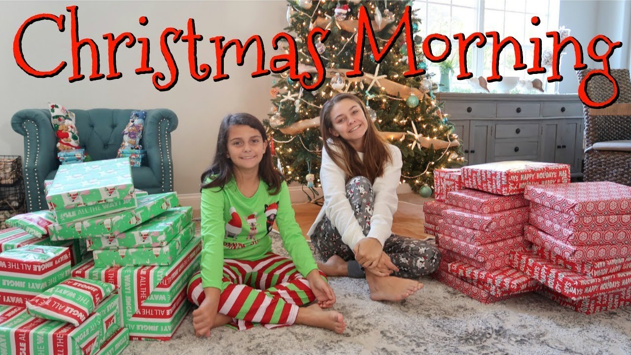 Christmas Morning Opening Presents 2018/ Emma and Ellie
