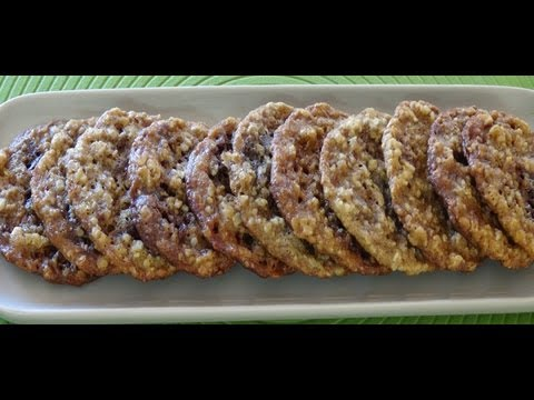How to Make Crispy Oatmeal Chocolate Cookies