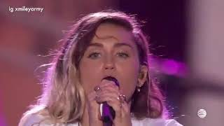 Miley Cyrus - We Can't Stop ( Live at I Heart Summer 2017 Weekend)