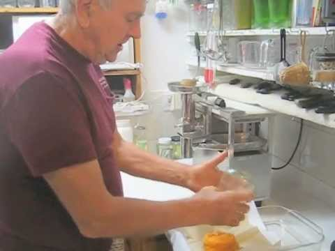 Making persimmon juice with a Norwalk juicer
