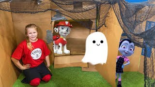 Vampirina and Paw Patrol Spooky Ultimate Box Fort Hunt with the Assistant and PJ Masks