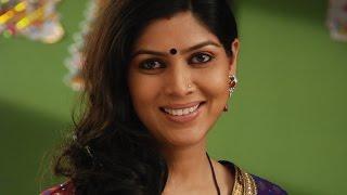 HOTTEST Television BAHU Sakshi Tanwar BOLD Scene In BADE ACHCHE LAGTE HAIN