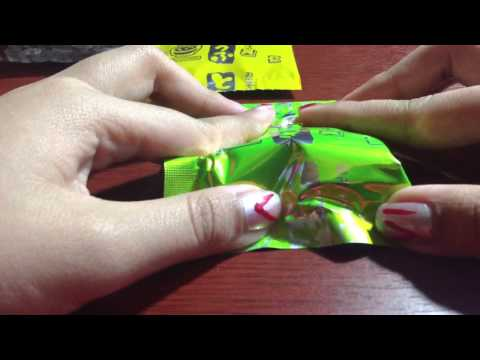 ASMR sounds: instant miso soup packets