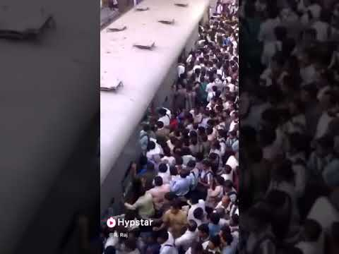 Papulation of India |job life people in Mumbai| Traveling in train after job........
