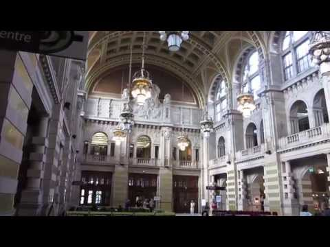 Kelvingrove Museum Glasgow Scotland - Arts and Crafts Movement