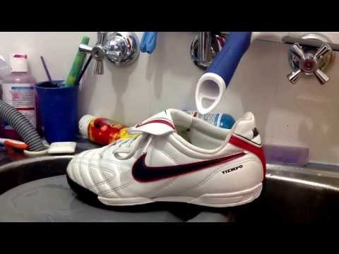 How to Clean and Maintain your football boots.