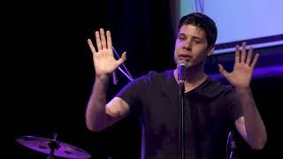 """#x202b;אלפי גלבדט בספוקן וורד במופע """"עד שאלמד לעוף"""" מאת נילי דגן#x202c;lrm;"""