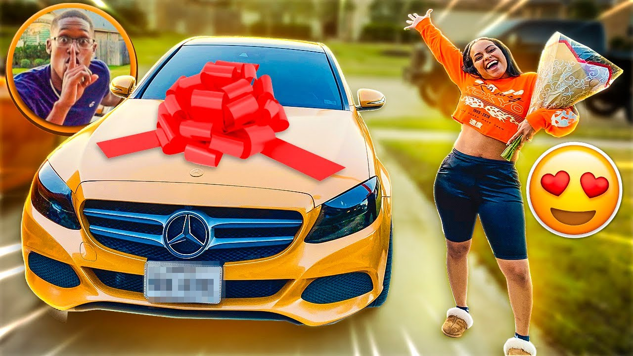 I SURPRISED MY WIFE WITH HER DREAM CAR!😍
