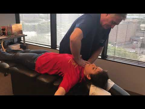 17 Year Old Brenham Texas Girl First Adjustment By Houston Chiropractor Dr Johnson