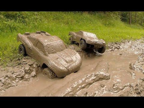Traxxas Slash 4x4s KillerBodyRC Mud Bogging!