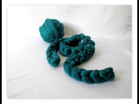 Arm Crocheting:  Super Chunky Scarf Tutorial