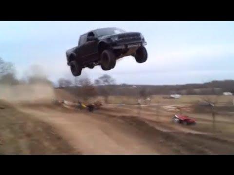 Ford Raptor jumps 90 feet!