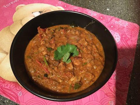 Chettinadu mushroom gravy for rice, idly, dosa