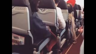 VIDEO: un passeggero riprende le vibrazioni del volo da Perth a Kuala Lumpur della AirAsia