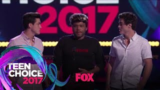 The Dolan Twins Welcome Anthony Anderson Into Their Family | TEEN CHOICE