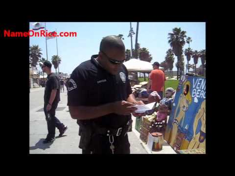 LOS ANGELES POLICE CHECK SELLERS PERMIT VENICE BEACH CALIFORNIA MAY 6, 2012