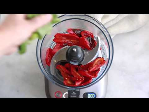 How to make roasted red pepper pesto