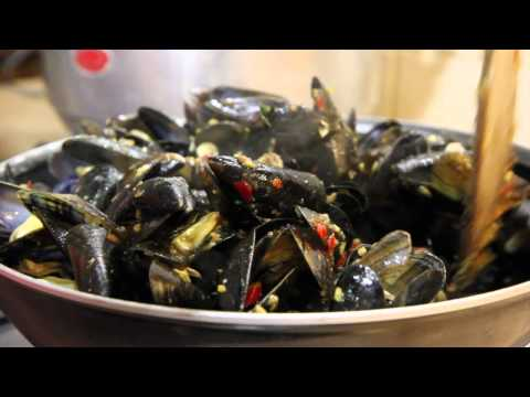 Spicy Chili Mussels