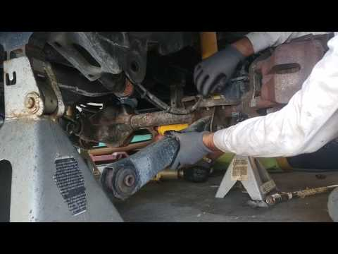 WJ Jeep front control arm replacement - Part 1 - lower right