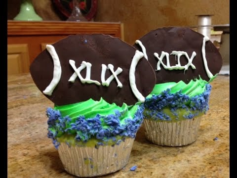 Football Cup Cakes- Buttercream- Cake Decorating