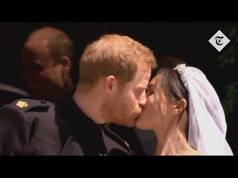 Royal Wedding: The first kiss between Prince Harry and the Duchess of Sussex