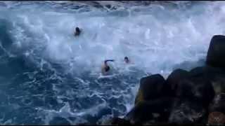 Dangerous way to swim in the sea