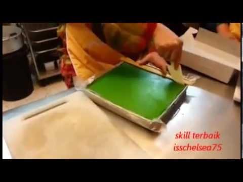 Skill Terbaik Potong Kuih Seri Muka Dan Masuk Box........