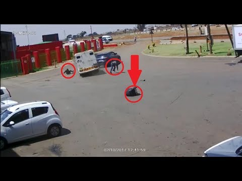 Incredible Shootout and Car Chase Caught On Camera As Police is Defeated By Armed Robbers