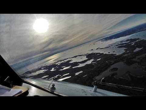 PilotCAM 737 into Yellowknife + Wing view!