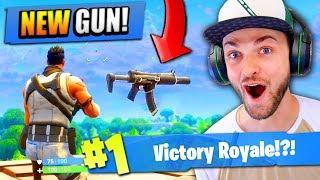 Using the *NEW* GUN in Fortnite: Battle Royale!