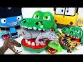 King Crocodile Is Back Defeat Dinosaurs Corps In Tayo And Robocar Poli Village DuDuPopTOY