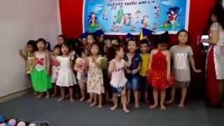 Vui tết thiếu nhi 1/6/2016 Ba bà đi bán lợn con
