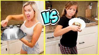 $30 MYSTERY BOX COOKING CHALLENGE!! Mom VS Daughter!