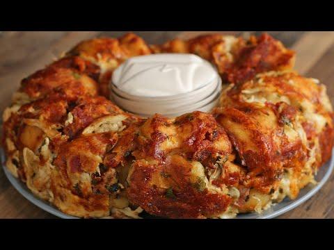 Garlic Knot Chicken Alfredo Ring