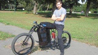 Электромотоцикл от 26 Emotors на солнечных батареях и ветрогенераторе